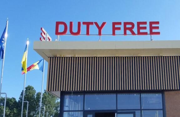 litere în volum pe acoperiș Duty Free Nika Color